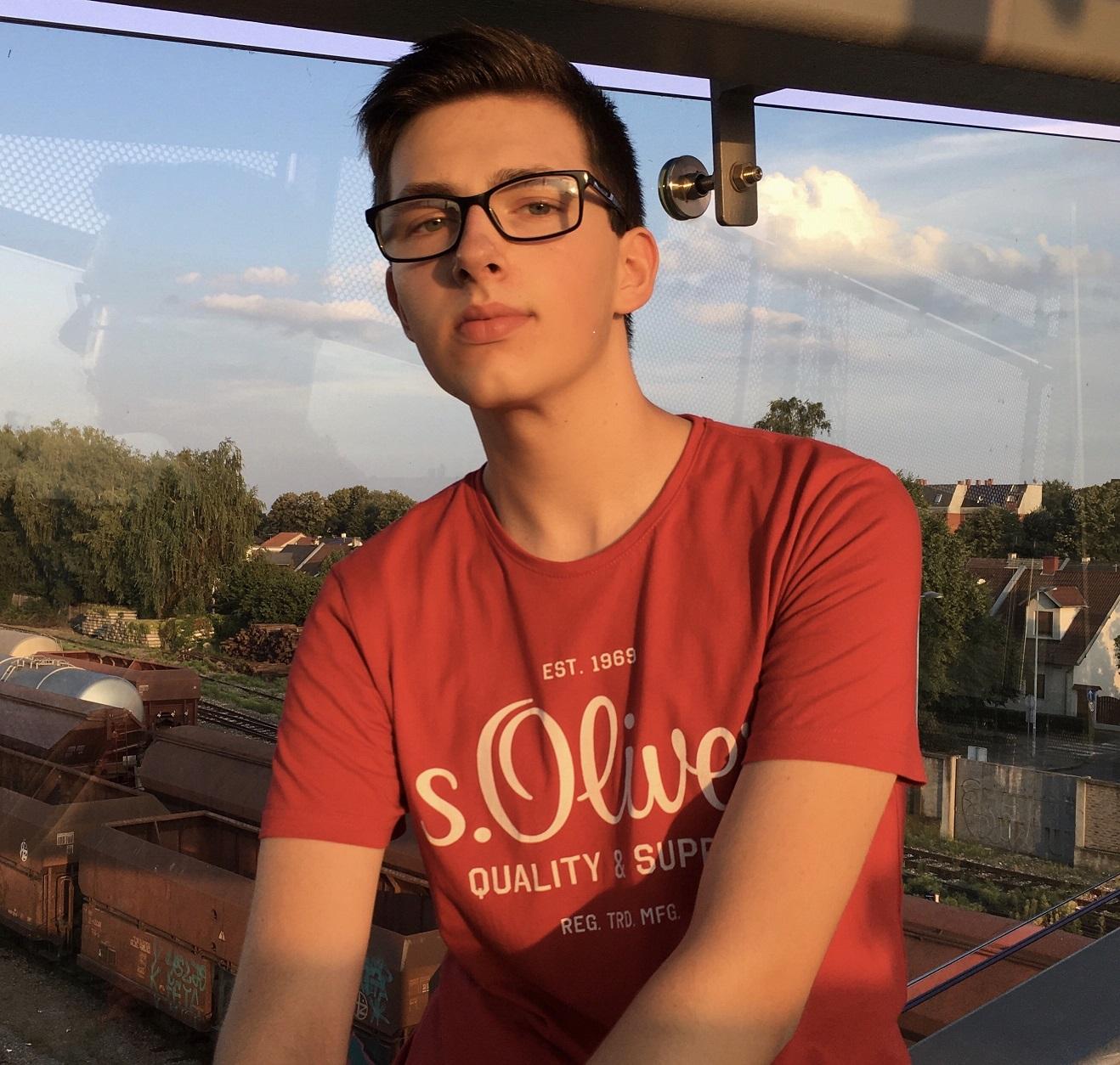 Ivan Vuknić piše o problemima mladih