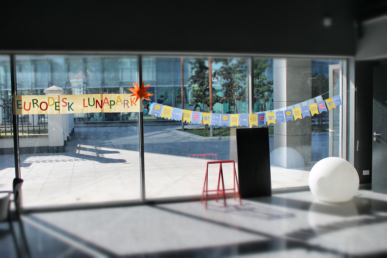 EURODESK Lunapark zabavio i informirao mlade Osječane